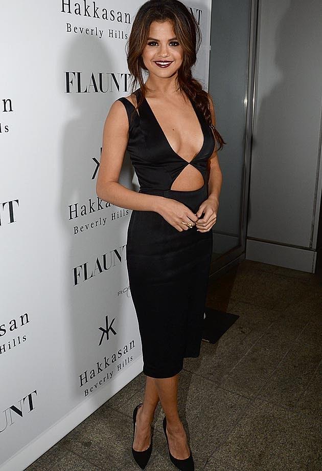 Selena Gomez Sideboob