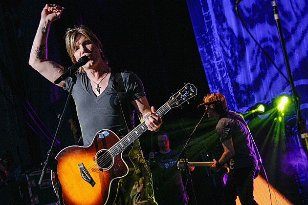 WANTAGH, NY - AUGUST 17: John Rzeznik of the Goo Goo Dolls performs at Nikon at Jones Beach Theater on August 17, 2013 in Wantagh, New York. (Photo by Janette Pellegrini/Getty Images)