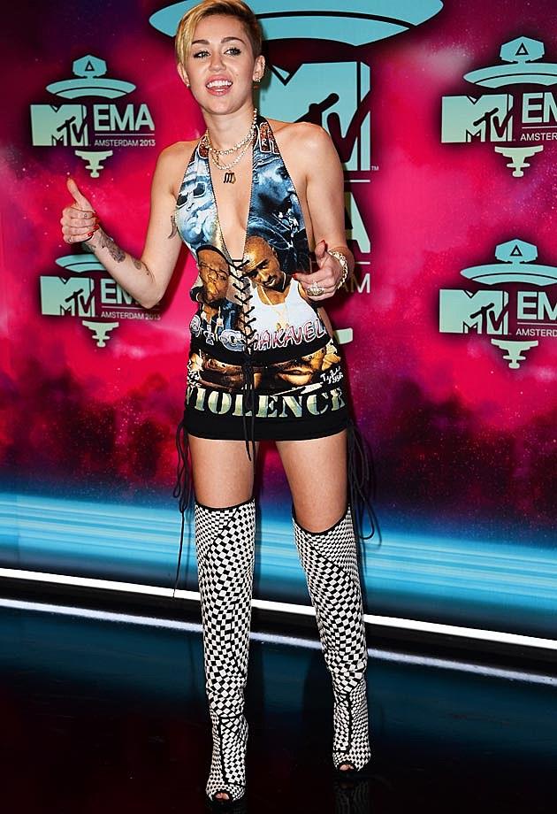 Miley Cyrus EMAs Front