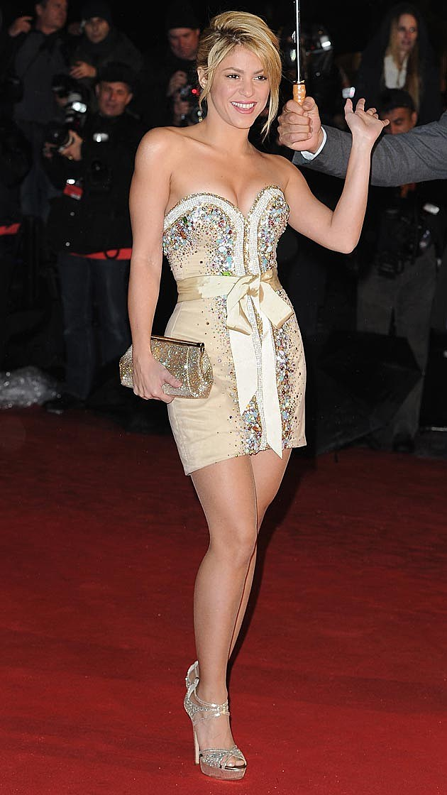 See Shakira\'s Best Red Carpet Looks [PHOTOS]