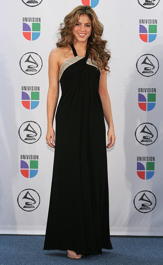 See Shakiras Best Red Carpet Looks [PHOTOS] - Goddess Hairstyles