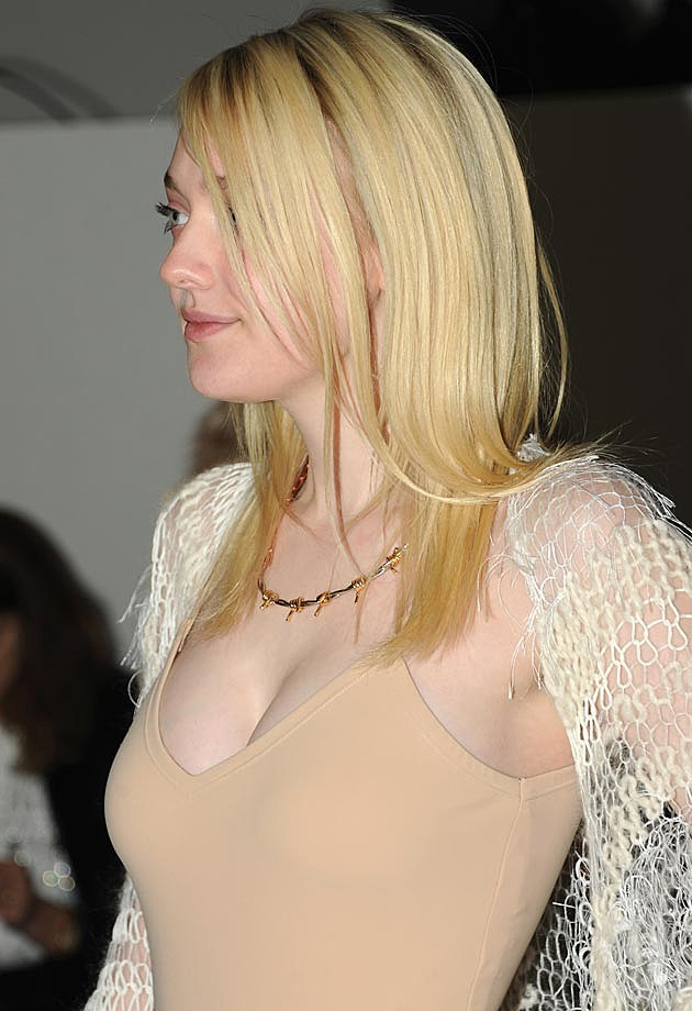 Dakota Fanning Cleavage
