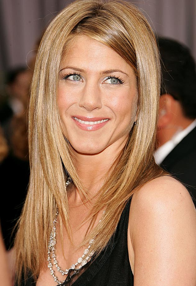 Jennifer Aniston Angled Bob Hairstyle Pictures to pin on Pinterest