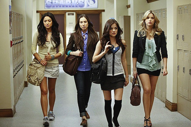 Shay Mitchell Troian Bellisario Lucy Hale Ashley Benson