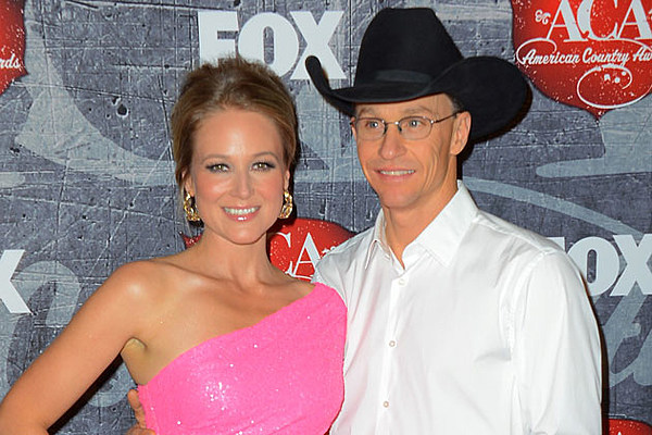 jewell divorced singles Jewel reveals how she coped during divorce from ty murray: ''why didn't i just get drunk and have meaningless sex'.