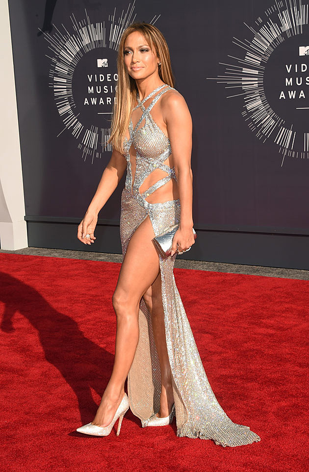 Jennifer Lopez Dazzles in Silver Mesh Dress on 2014 MTV VMAs Red ...