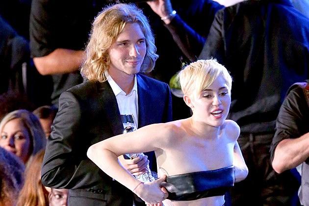 Jesse Helt / Miley Cyrus