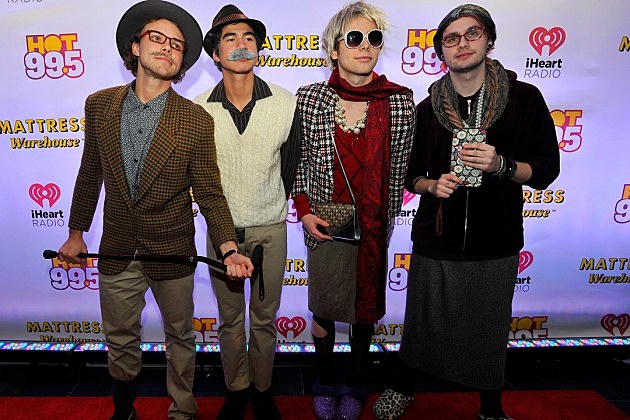 5 seconds of summer dating profiles Profile settings playbuzz analytics quizzes quiz personality quiz 5 seconds of summer 5sos boys celebrities love maximum pop music who is your 5sos.