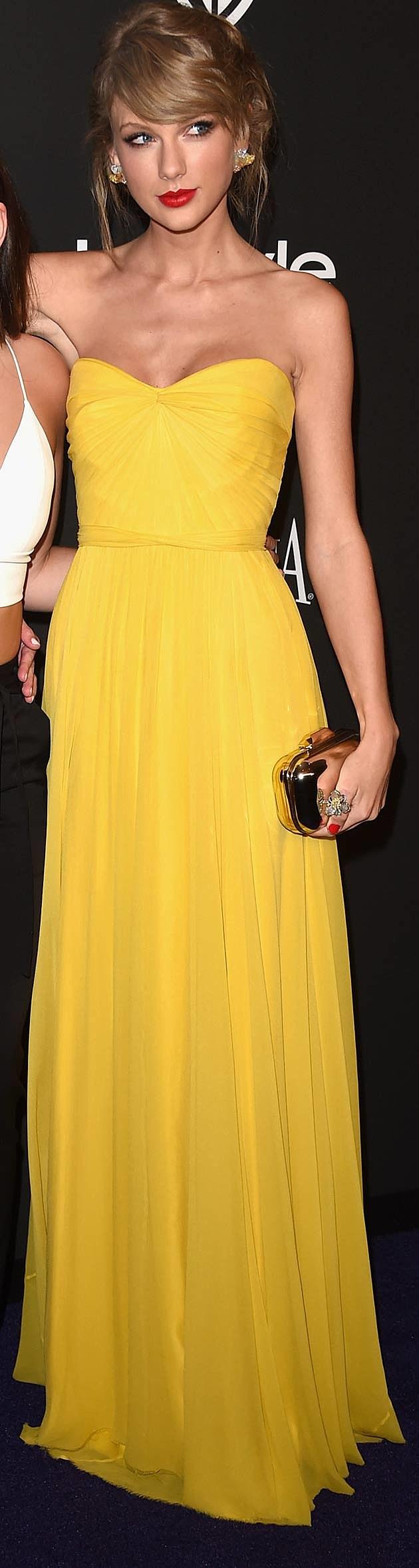 yellow dress at golden globes
