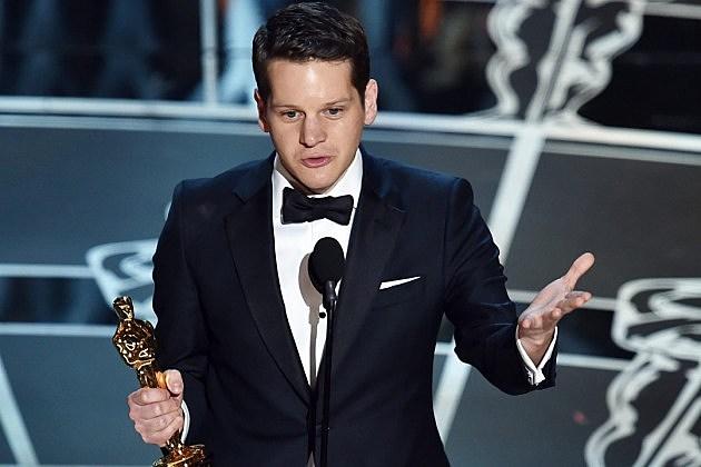 Graham Moore, ganador de Oscar mejor guion adaptado.