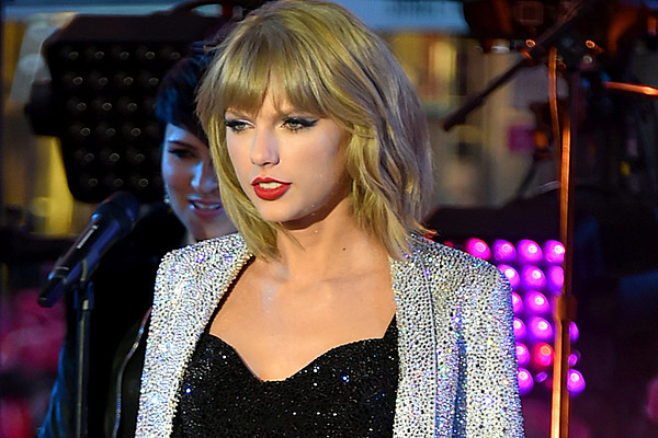 Halsey S Dream Pop And Instagram Obsessions The Cut: Taylor Swift Breaks Yet Another Record With '1989