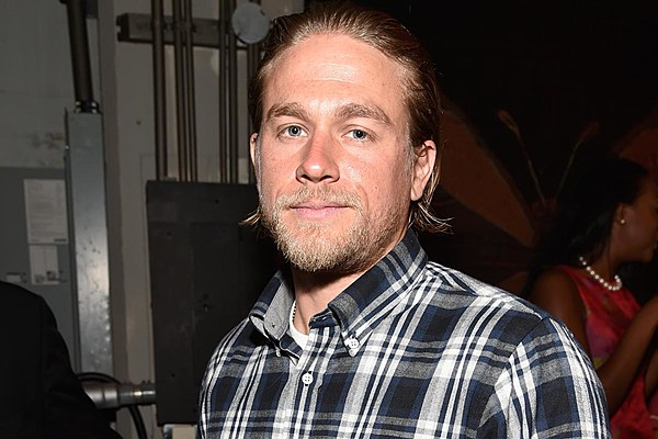 Chatter Busy: Charlie Hunnam Has No Problem With Full