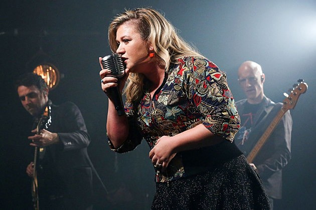 Kelly Clarkson shaved haircut