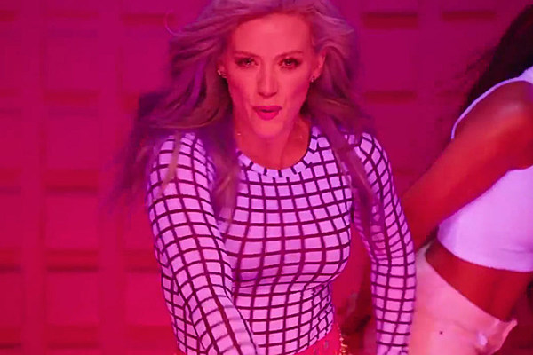Hilary Duff S Sparks Video Singer Rocks Blue Hair In: Hilary Duff's 'Sparks' Video Teaser Is A Candy-Colored Dream