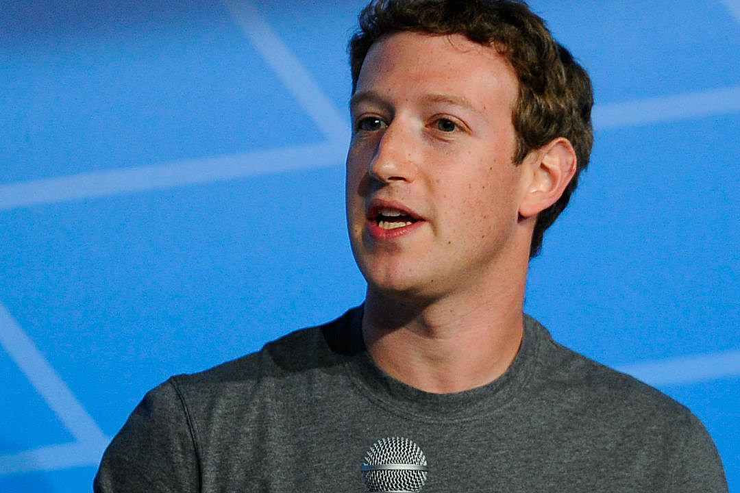 Facebook Titan Mark Zuckerberg Reportedly Asks Employees to Blow Dry His Sweaty Armpits
