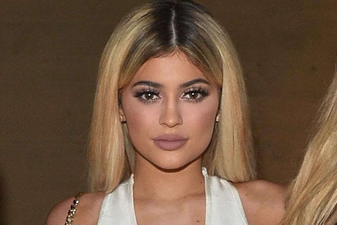 Kylie Jenner Has Green Hair Hayley Williams Orange Brown Hair