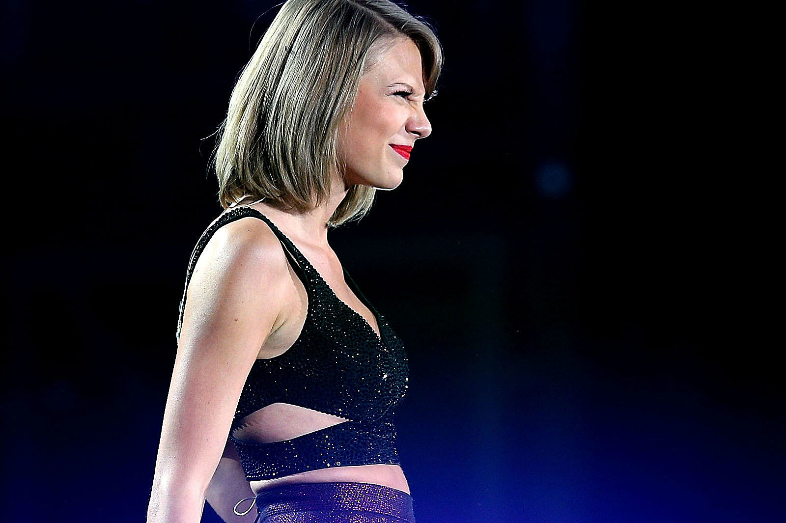 Taylor Swift Comes Face-To-Face With Her Instagram ...