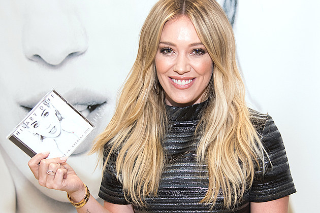"Hilary Duff ""Breathe In, Breathe Out"" CD Signing Event"