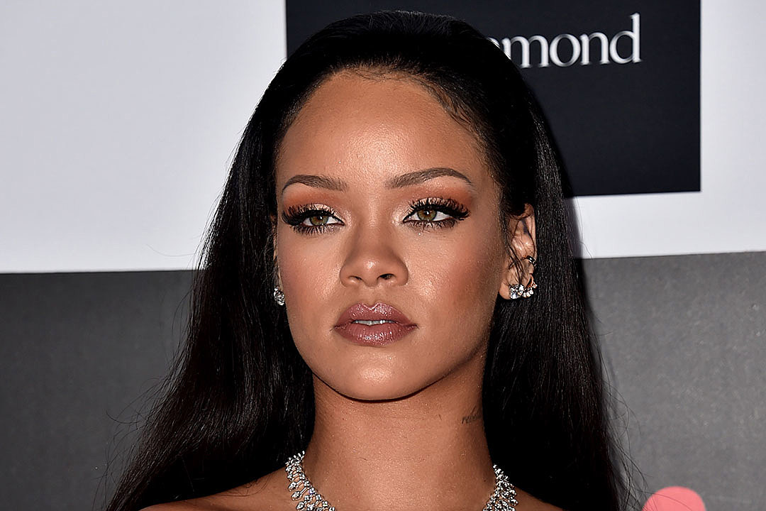 Rihanna S Anti Album Delay Due To Travis Scott Says