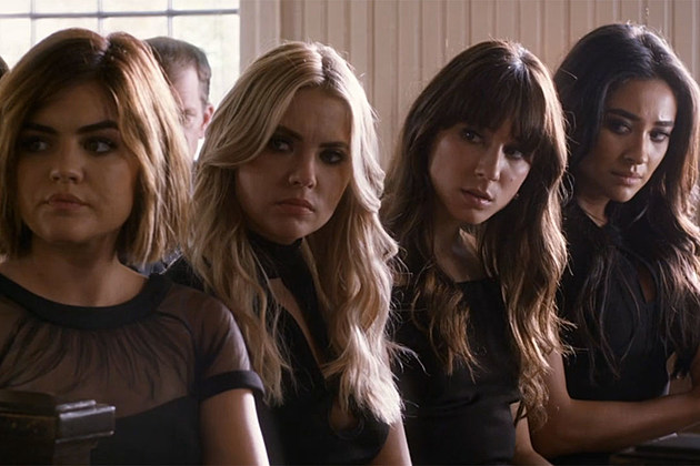 Pretty-Little-Liars-11