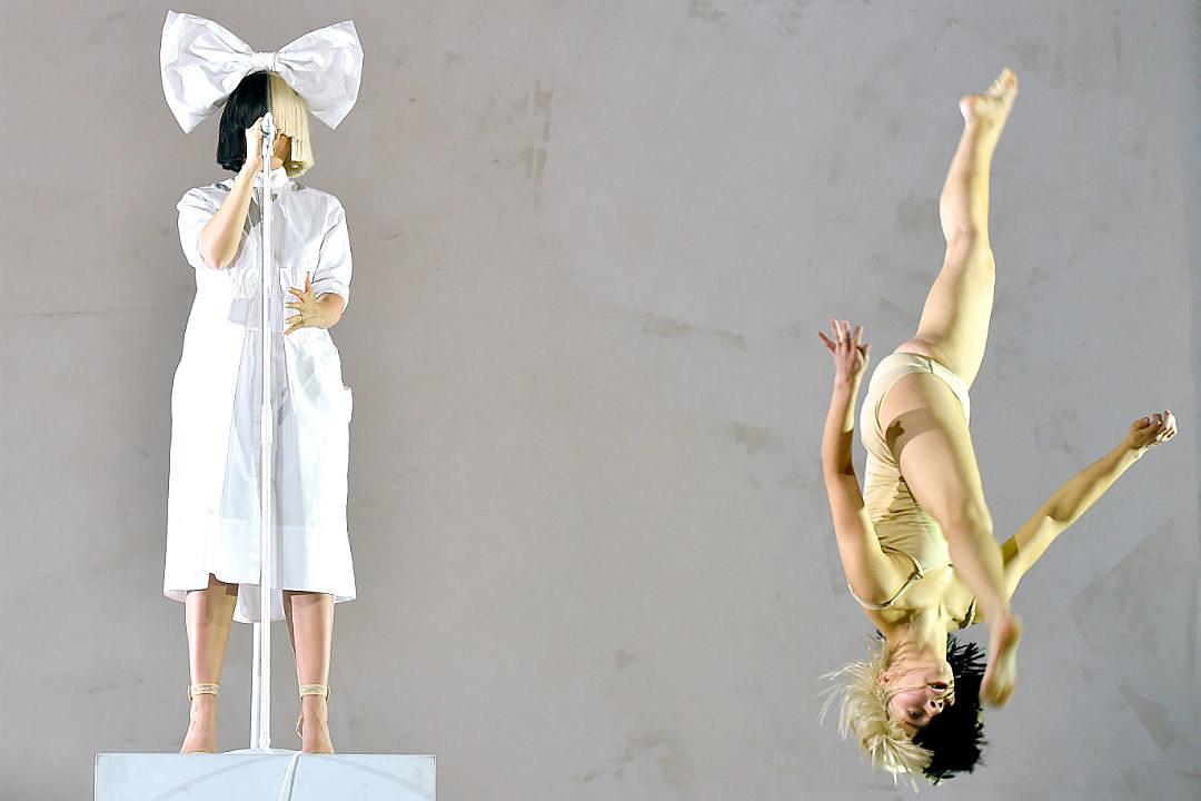 Sia left coachella crowds breathless with celeb studded set