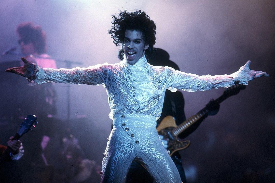 Prince Fans Help Legend Reign Over Billboard's