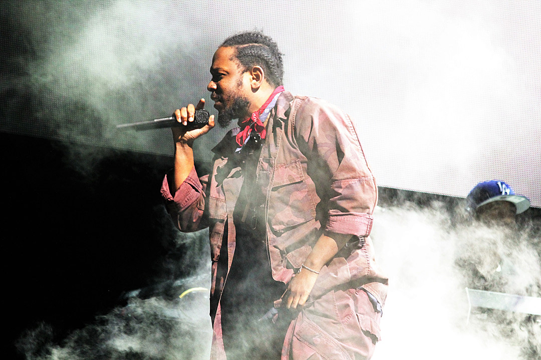 Kendrick Lamar Hung Out With A Fan After Paying Her Crowdfunding Campaign
