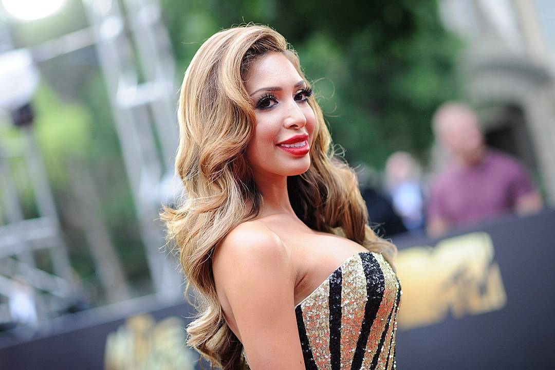 Farrah Abraham offends with photo of daughter in bikini