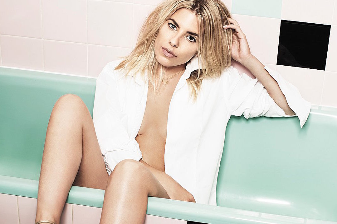 mollie king comes back to you with debut solo single