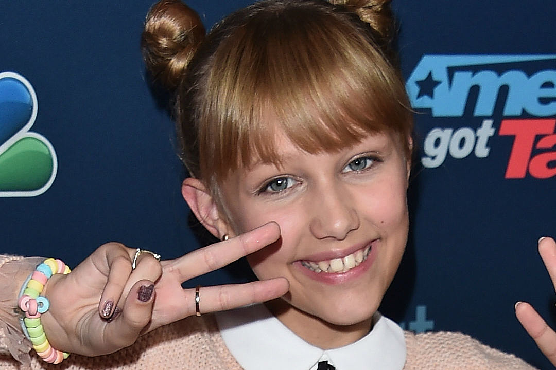 Grace Vanderwaal Record Deal