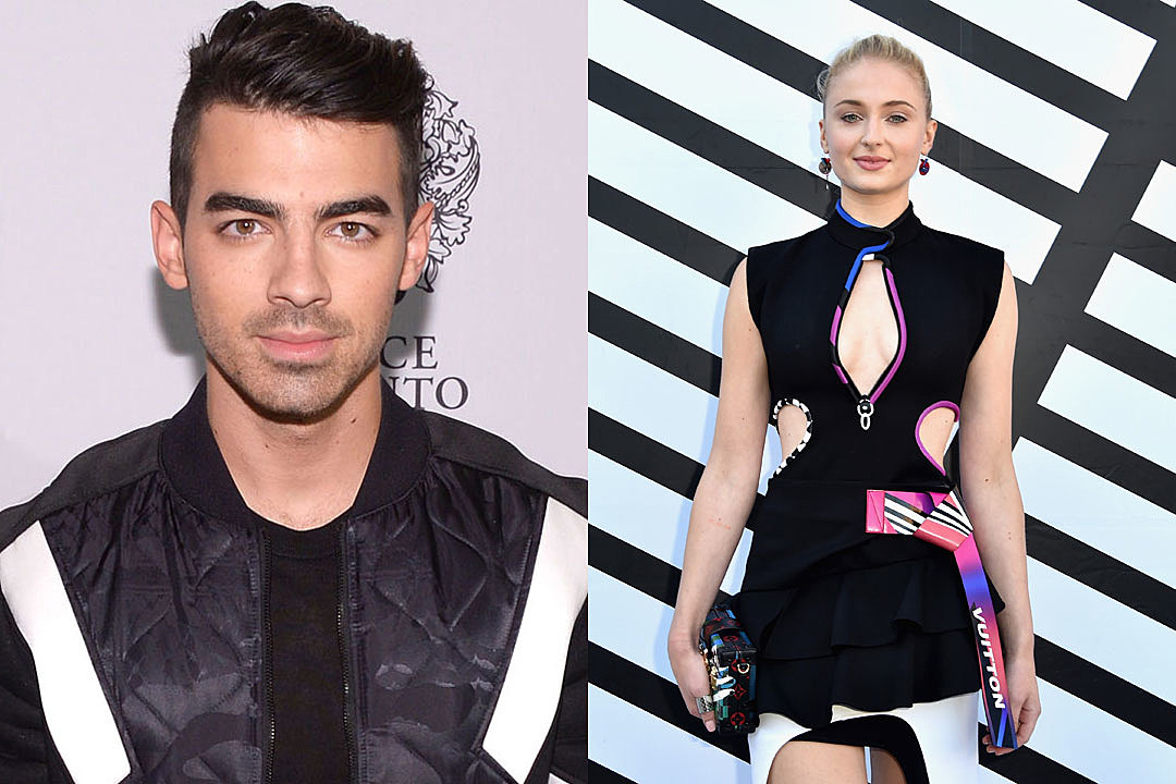 Joe Jonas spotted kissing Game Of Thrones star