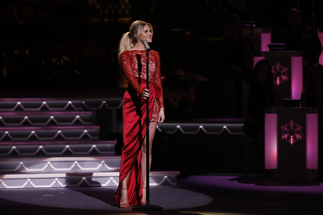 Jennifer Nettles talks about hosting 'CMA Country Christmas'