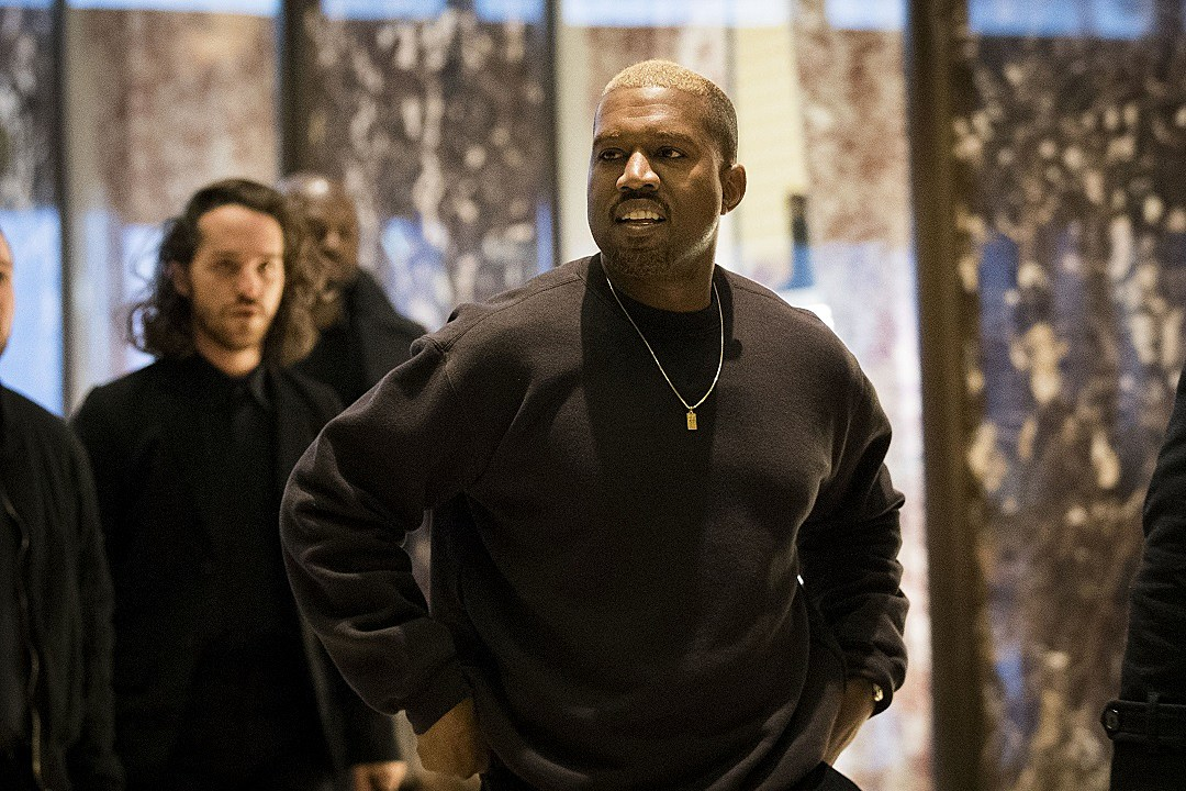 Kanye West visits Trump Tower