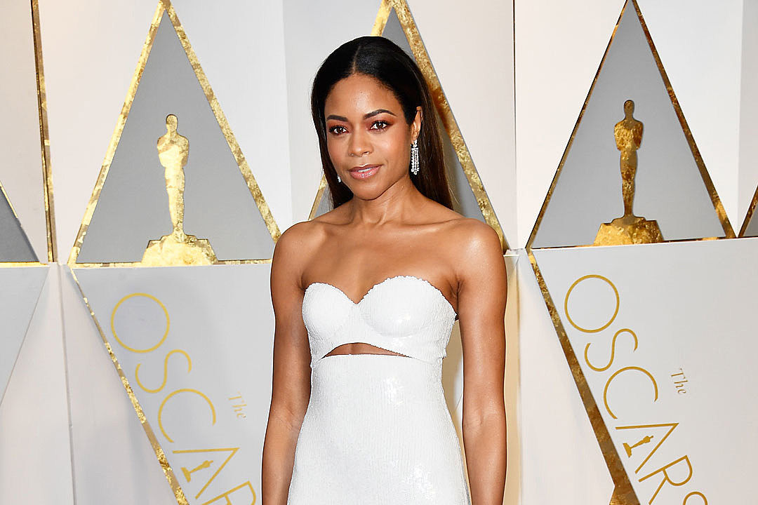 http://popcrush.com/files/2017/02/Naomie-Harris-oscars-2017-moonlight1.jpg