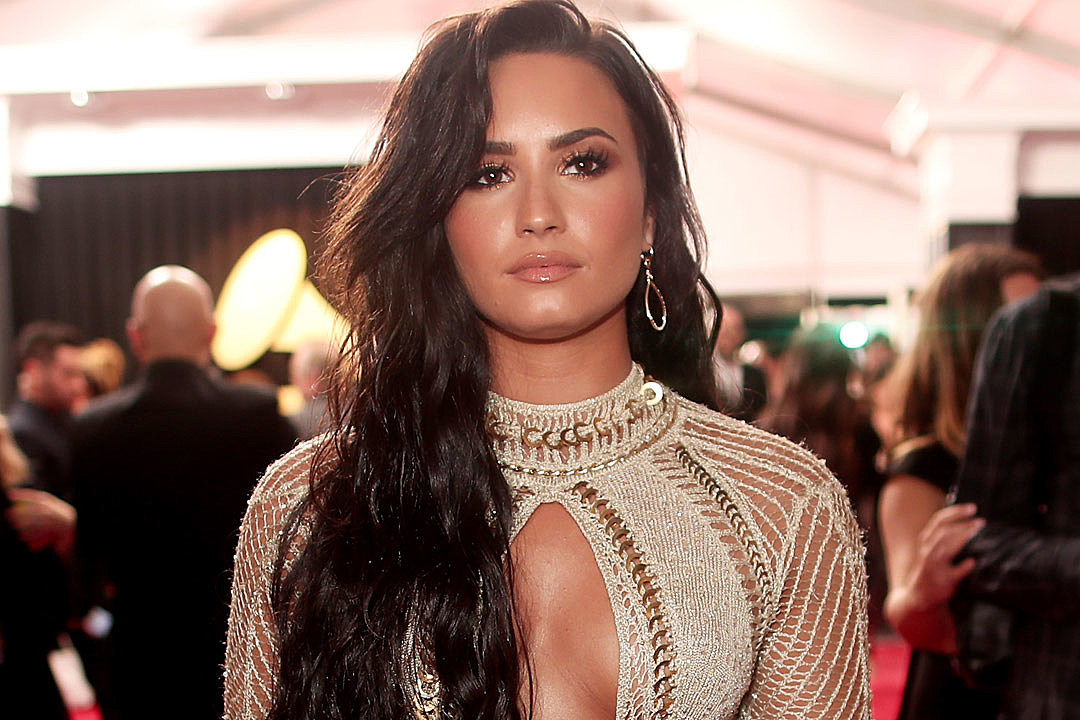Demi Lovato Thanks Her Fans In An Emotional Twitter Note