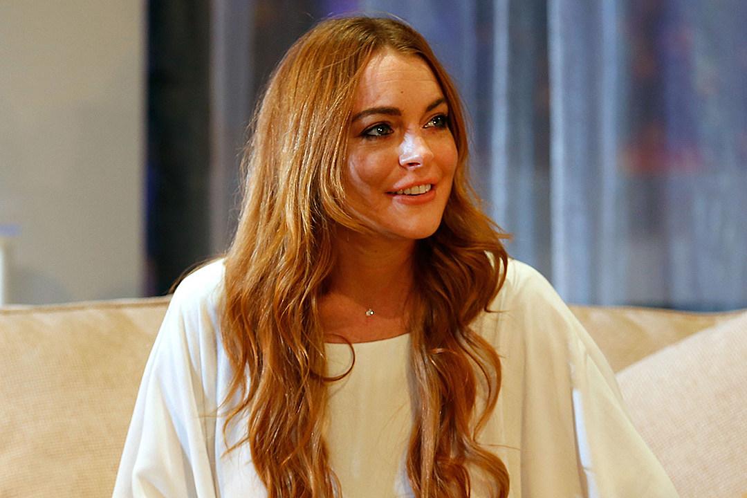 Lindsay Lohan Thinks She's the Right Choice for Disney's ... Lindsay Lohan 2017