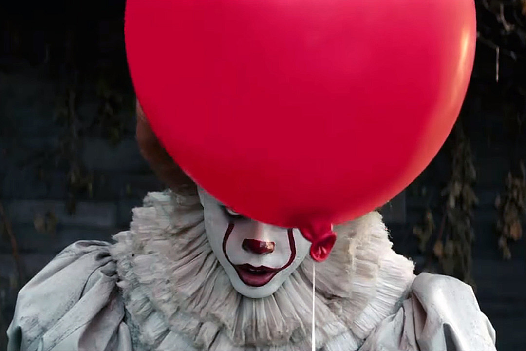 Pennywise and red balloon