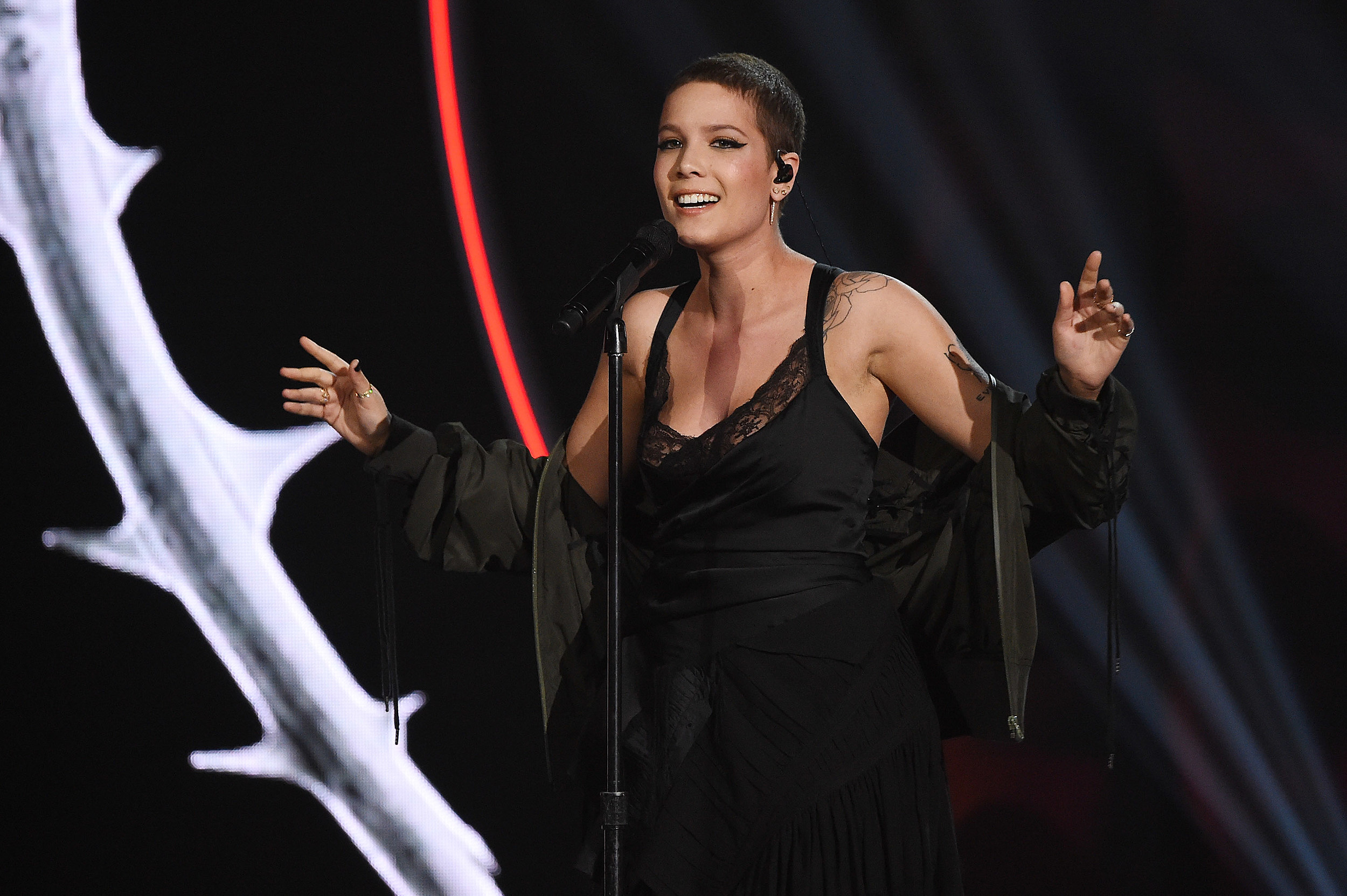 Halsey Announces 2017 Tour With Charli Xcx Partynextdoor See The