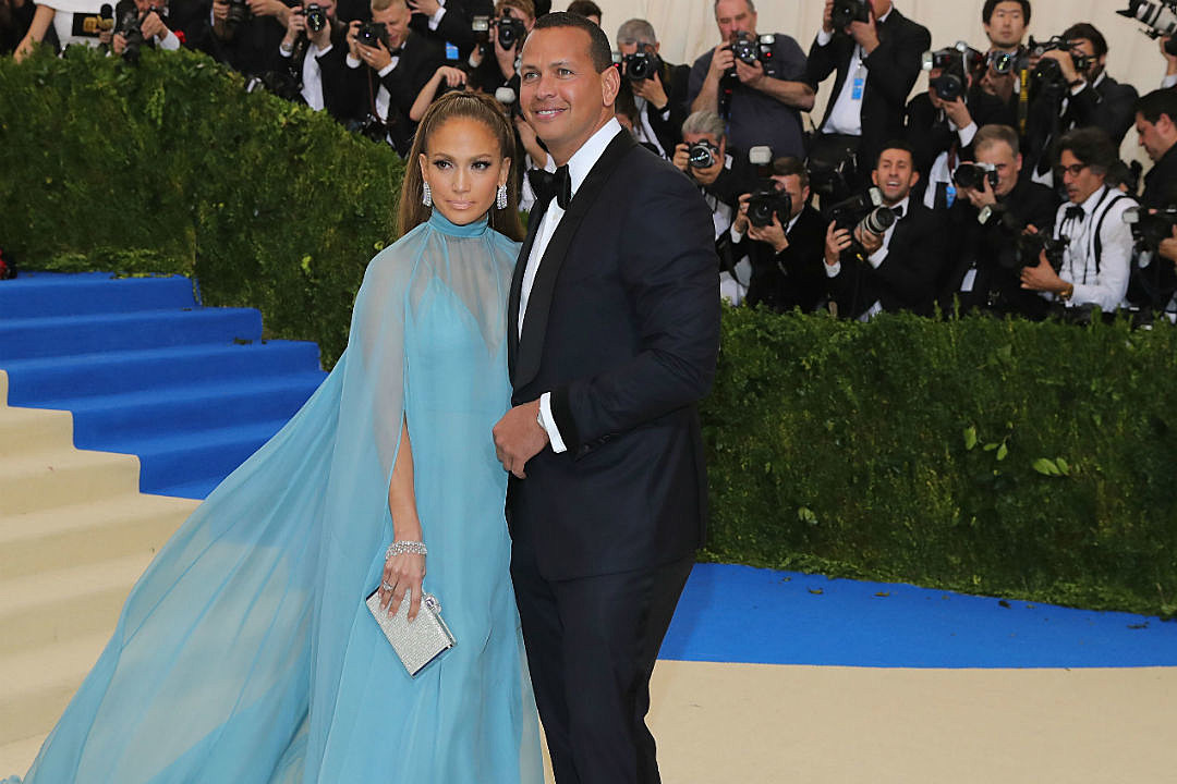 Jennifer Lopez Alex Rodriguez Met Gala Red Carpet