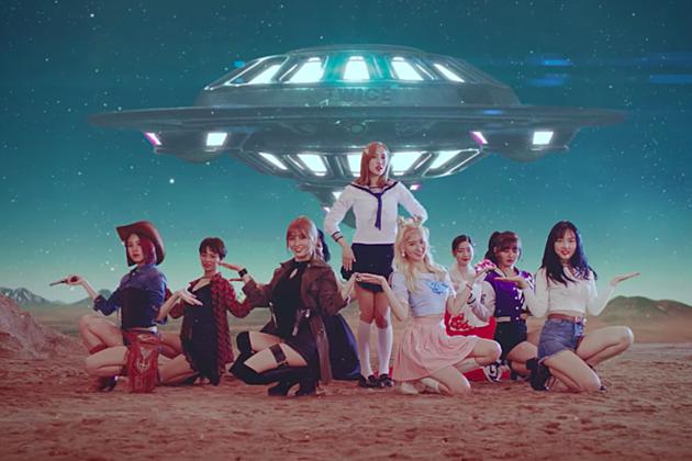 Twice K-Pop 2017 Signal