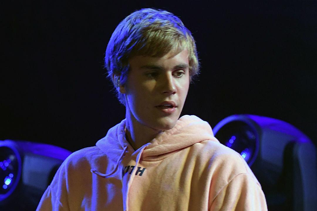Justin Bieber Breaks Down Manchester