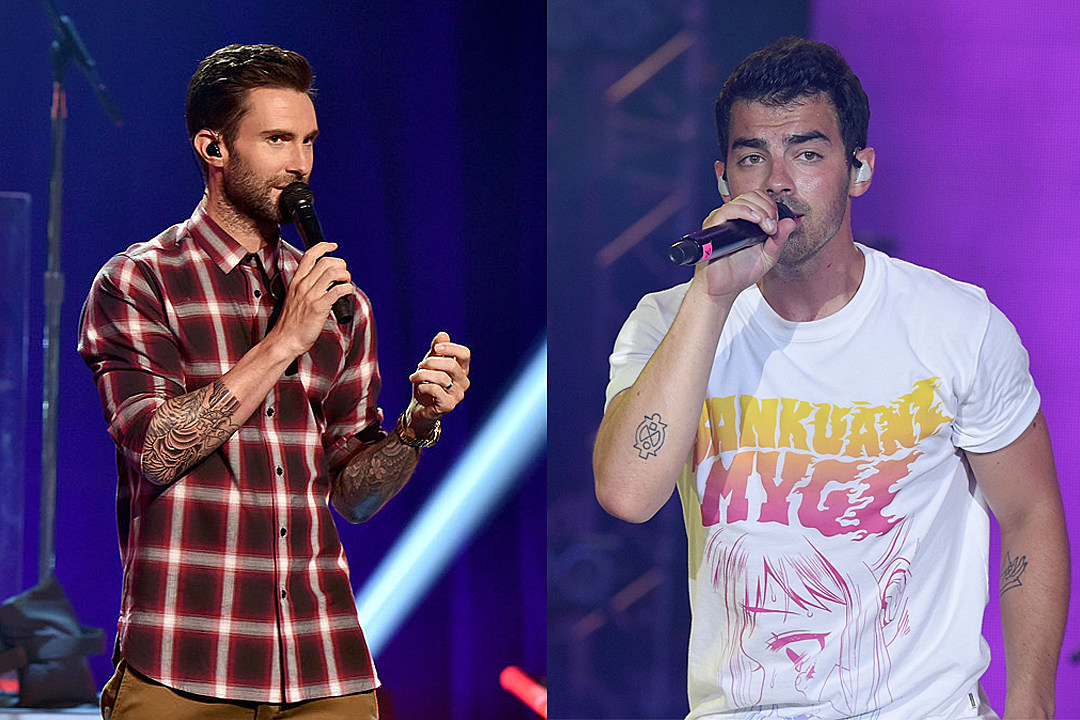 Adam Levine and Joe Jonas