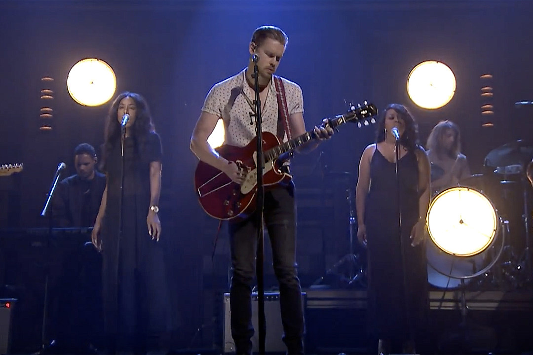 Chord Overstreet Performs \'Hold On\' for \'The Tonight Show,\' The ...