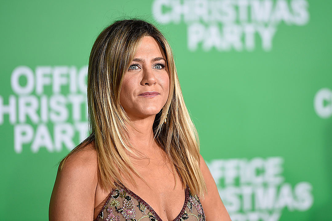 Jennifer Aniston talks Free the Nipple movement
