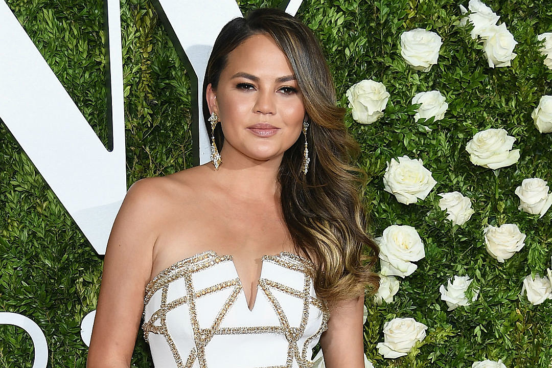 Chrissy Teigen Alcohol Struggles