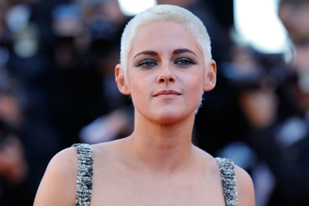 Kristen Stewart Open to Dating Men