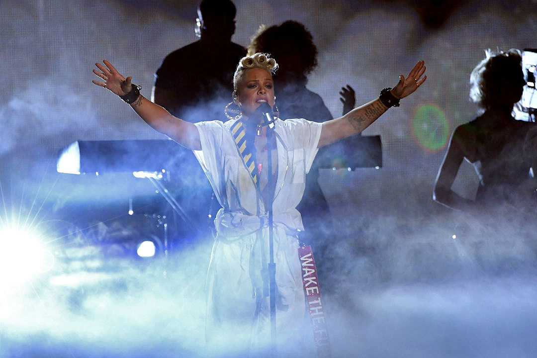Pink VMA Hits Medley