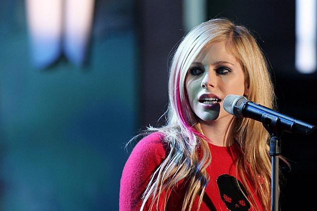 Avril Lavigne microphone