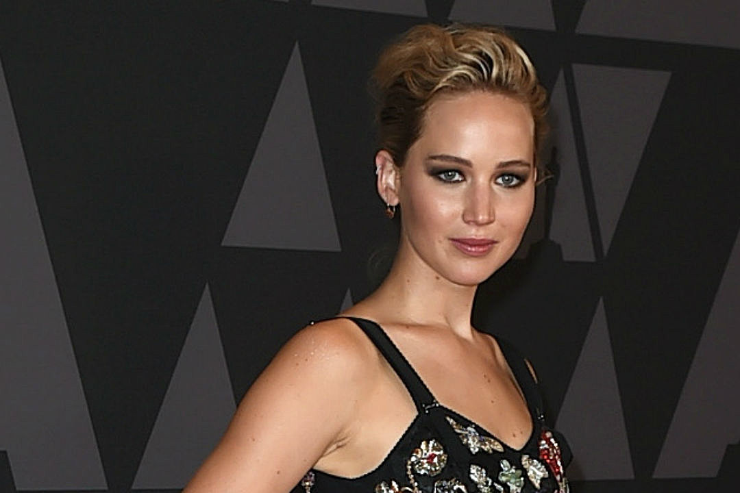 Jennifer Lawrence Rude To Fans
