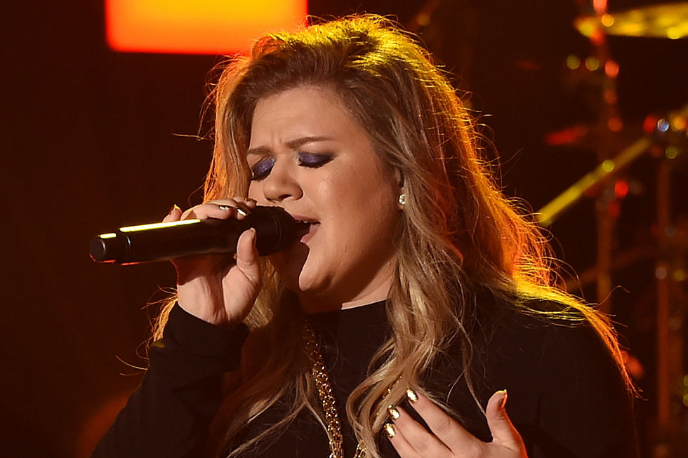 Kelly Clarkson to Perform at 2018 Super Bowl Pre-Parties